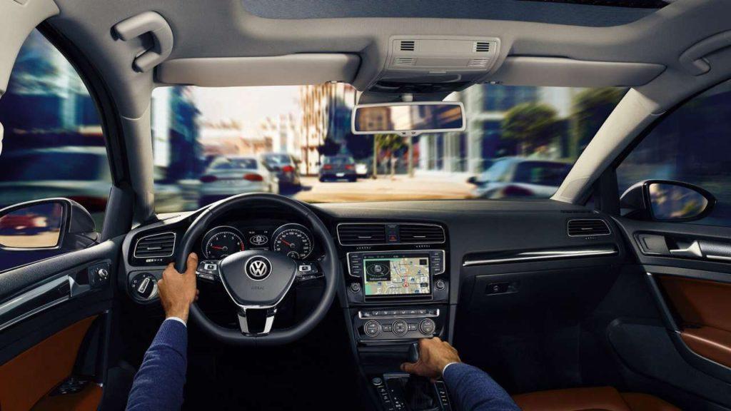 Interior y exterior Volkswagen Golf-Comfortline-GTI Plan Nacional Autos