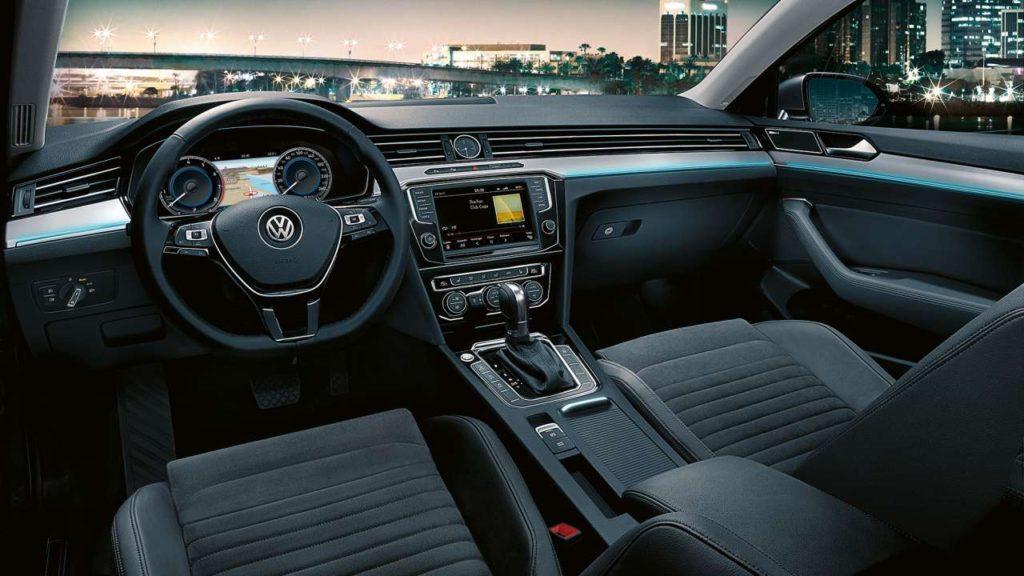 Interior y exterior Volkswagen Passat Plan Nacional Autos